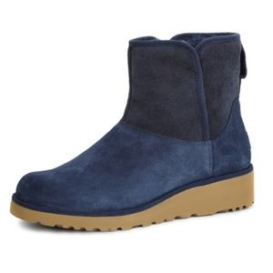 Ugg Kristin Boot in Navy Size 9